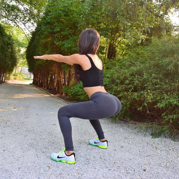 Prepare your exercises for a bigger booty