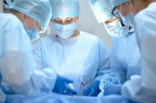 ما هي مدة الشفاء من عملية تكبير الثدي؟ [دليل كامل]